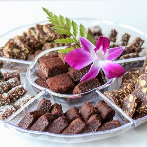 מגש חטיפי תמרים ושוקולד